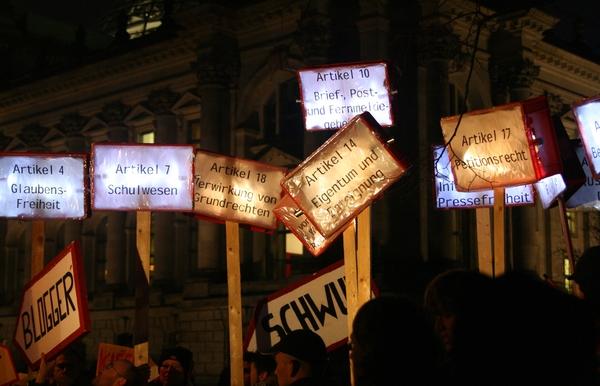 Beitragsbild Endspurt: Bundesweite Demonstrationen gegen die Kommunikationsüberwachung