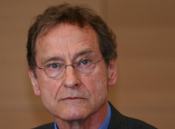 Beitragsbild Prof. Dr. Bernhard Schlink: Religionen, Weltanschauungen und die Grundrechte des Grundgesetzes (Audio/Video)