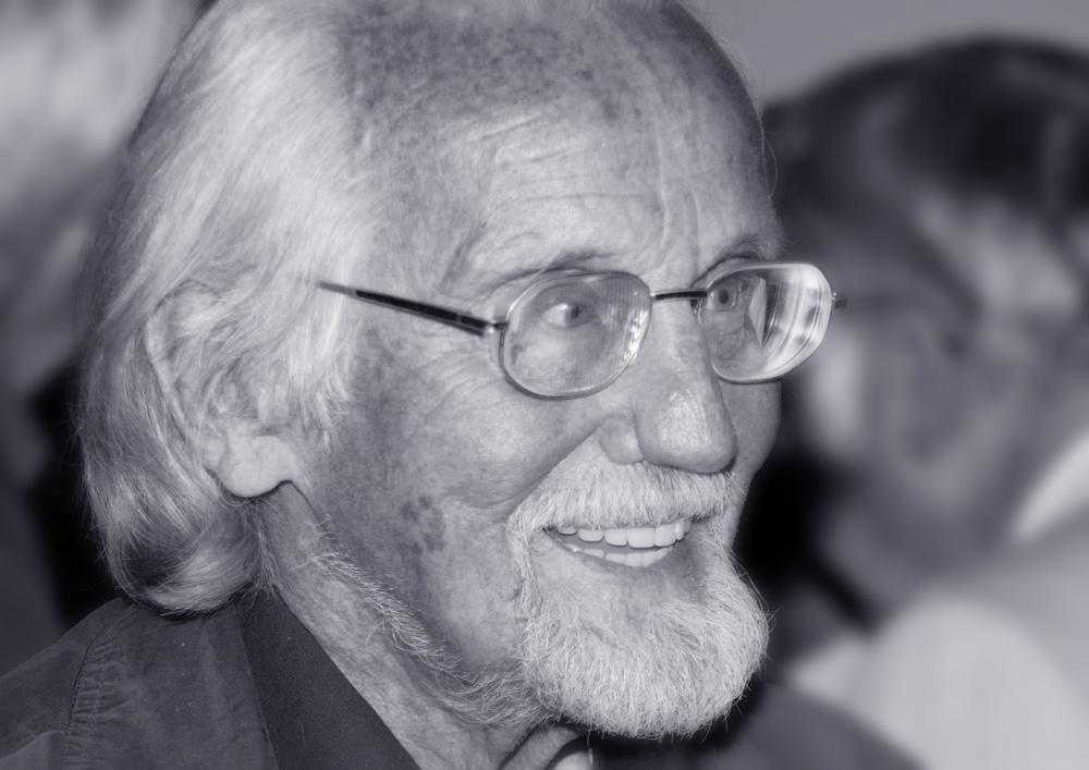 Beitragsbild Vorbild einer humanen Medizin für selbstbestimmte Menschen: Verleihung des Fritz-Bauer-Preises 2008 an Dr. Klaus Waterstradt